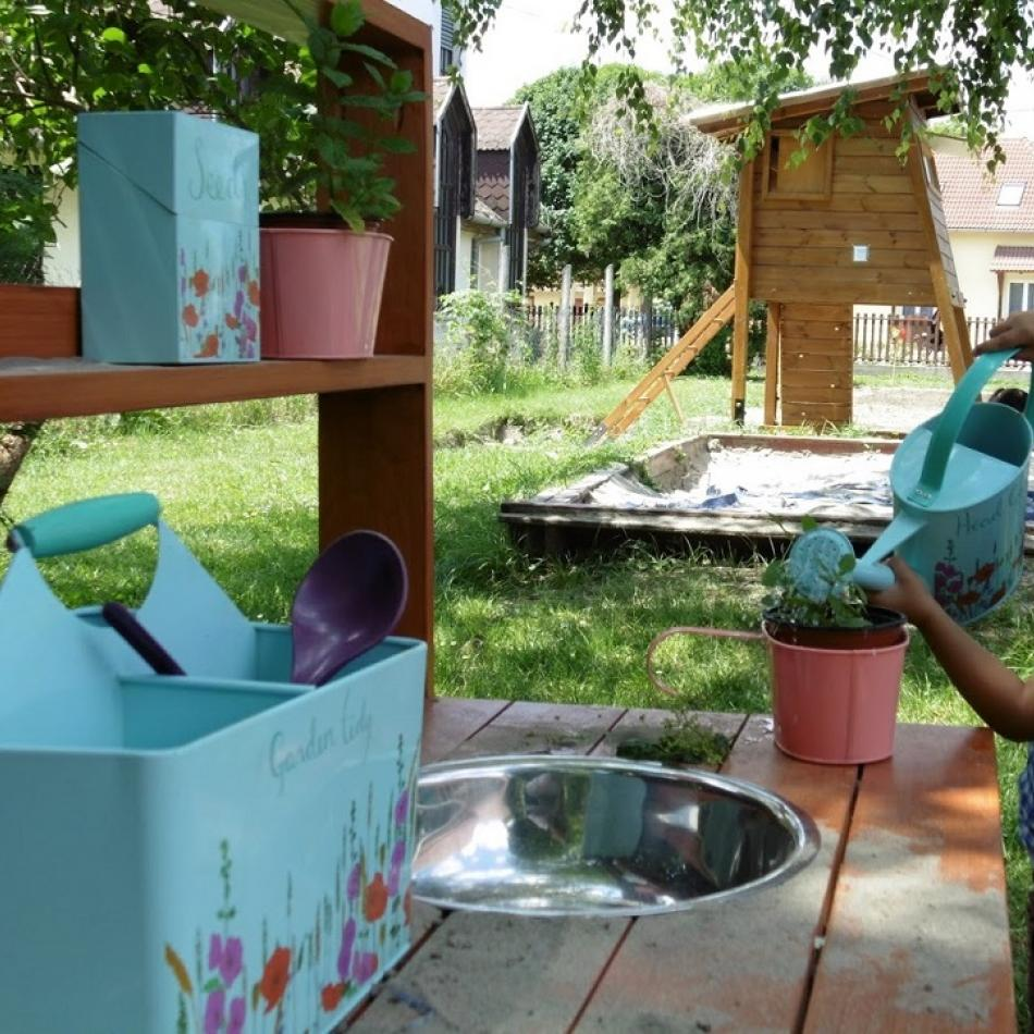"""The purpose of the """"KölyÖKOpark"""" (Eco Kids Park), established by Dráva Kincse (Treasures of the Drava River) Kindergarten, is to familiarise the little ones with herbs and birds, thereby teaching them to love nature and developing an eco-friendly attitude in them. The implementation of this project was supported by a HUF 1 million grant from DDC."""